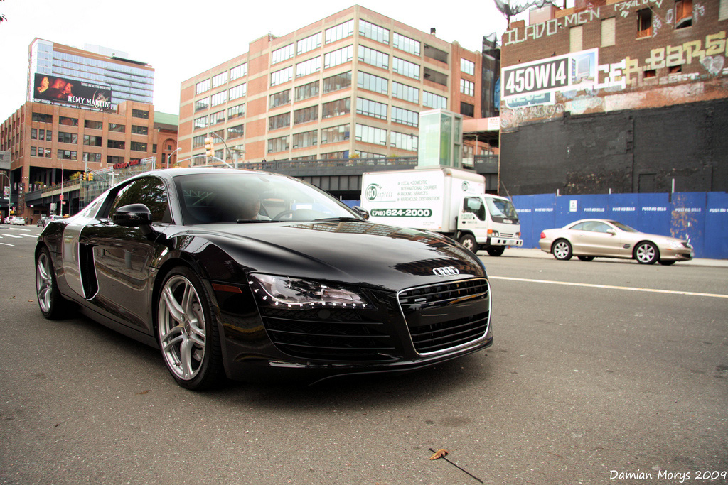 SuperB Sports Car (Audi R8)